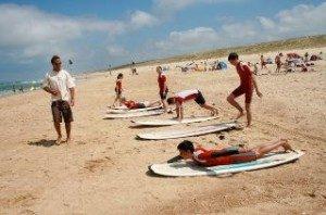 Cours de surf école de surf /surfcamp de Léon dans les Landes