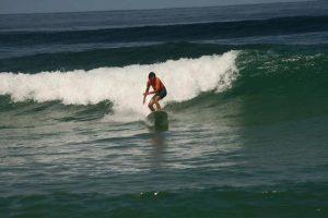 Cours de surf /Stand up paddle à l'école de surf /surfcamp de Léon dans les Landes