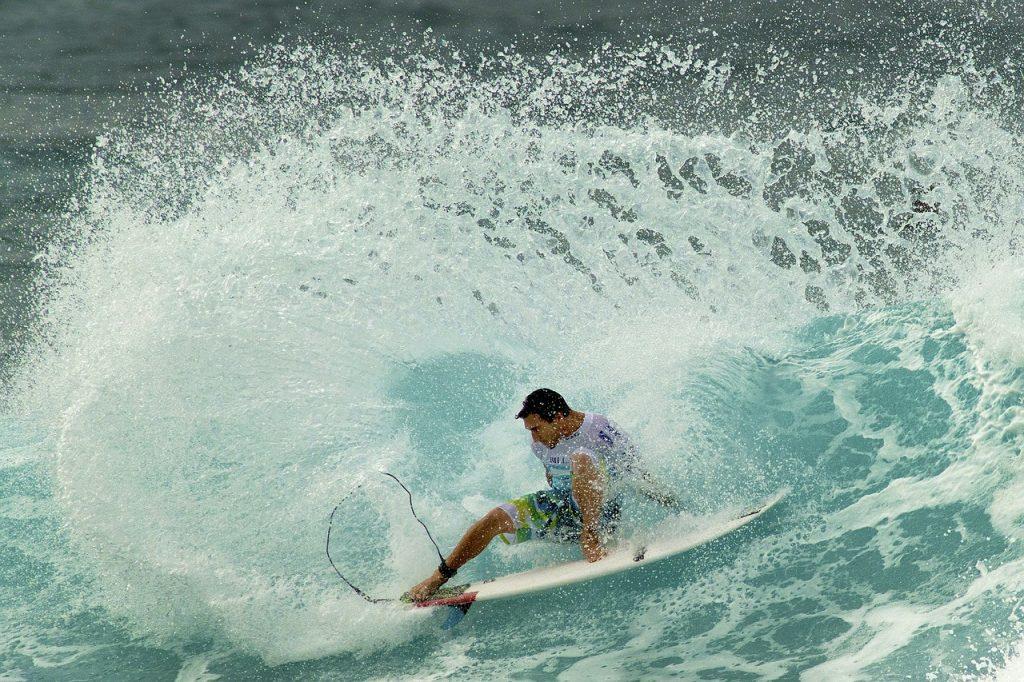 surfer-599432_1280